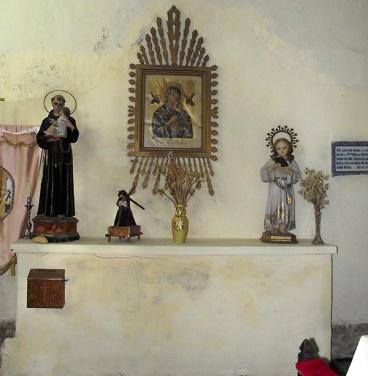Altar de la Virgen del Perpetuo Socorro ya sin retablo