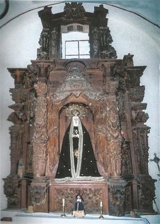 Retablo Virgen de la Soledad antes de restaurar y dorar