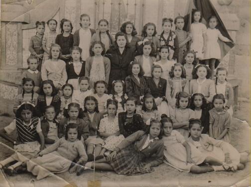 Dª Felicísima Camacho - 1948 mamá escuela