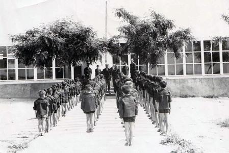 formando antes de entrar a la escuela - años 60