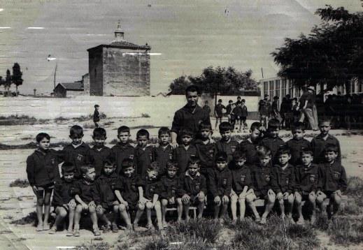 papa con niños escuela 1963