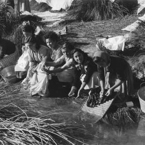 Mujeres lavando - en Jurieque